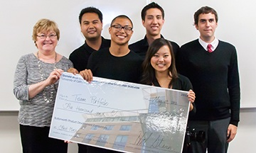 Olson with Team Portfelo, a group of informatics students who won the 2012 Butterworth Product Development Competition