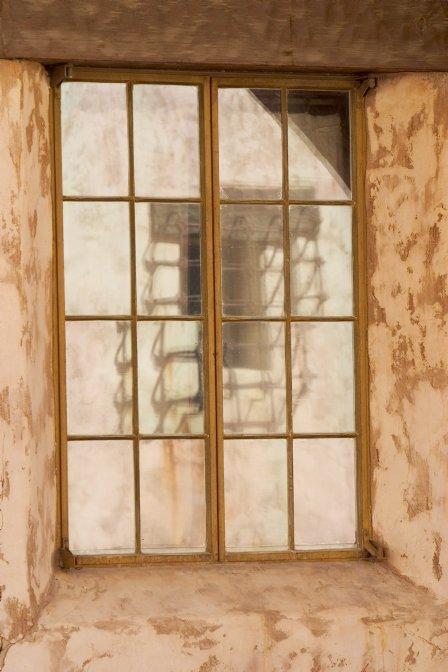 Prozori koji govore - Page 3 ScottysWindowReflection2-m