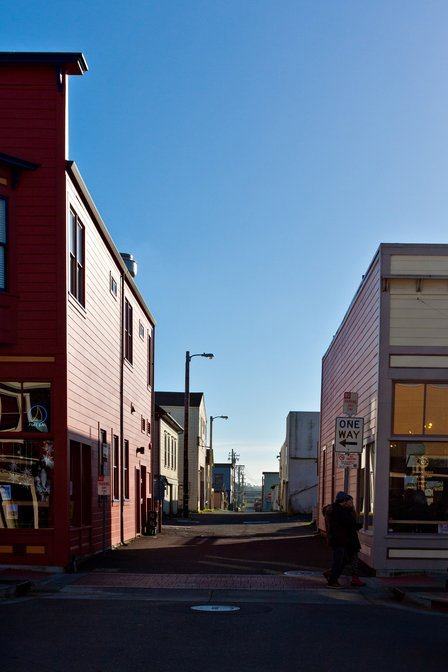 Alley between Main St and Franklin St from Laurel St, Fort Bragg, California