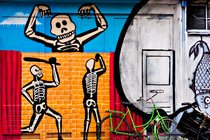 Skeletons, graffiti in Spui, Amsterdam